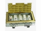 品牌:正旦 Zhengdan&#10名称:三位二极插座+二位多功能插座+可装(未含)多位各种弱电功能插座&#10型号:DHK-320F-3