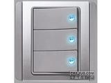 品牌:施耐德奇胜 Clipsal&#10名称:10A 带LED指示横式大按板三联单控开关(灰+银)&#10型号:E3033H1(EBGS)