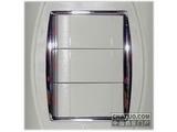 品牌:TCL-罗格朗 TCLLegrand&#10名称:三位双控大按钮开关&#10型号:S33/2/3B