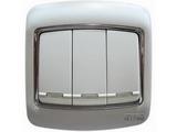 品牌:梅兰日兰 Meilan&#10名称:白色三位单控大跷扳开关&#10型号:L230/1W.AA